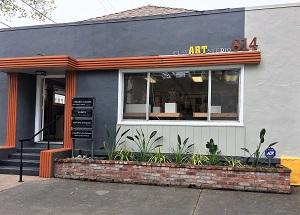Picture of exterior of clayARTstudio814 studio