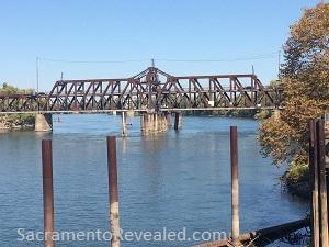 Photo of the existing I Street Bridge