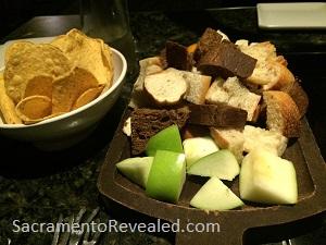 Photo of Melting Pot breads & apple